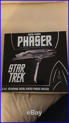 QMX Star Trek 2009 Movie Enterprise Metal-Plated Stunt Phaser Replica NIB